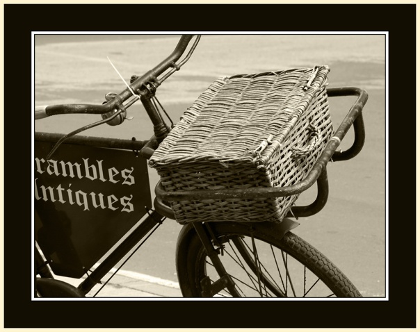 Brambles Antiques marketing ploy - an elderly delivery cycle